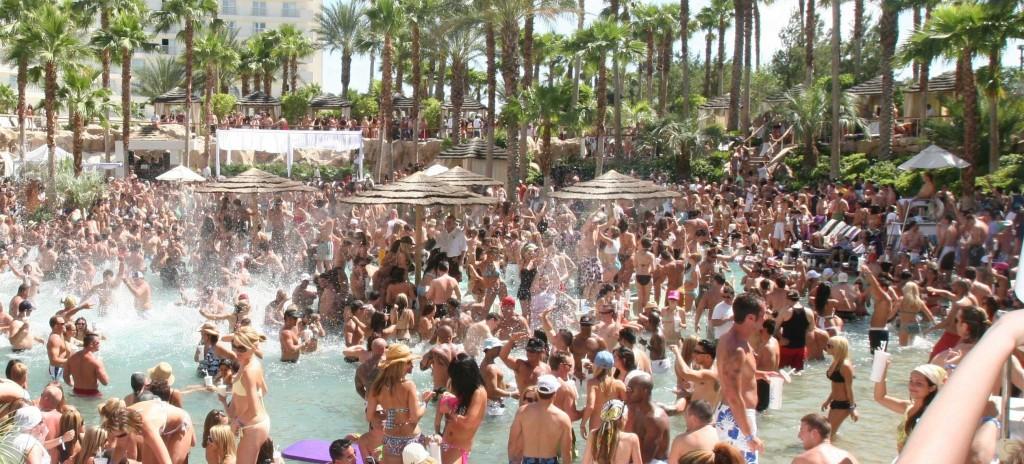 Las-Vegas-Pool-Party