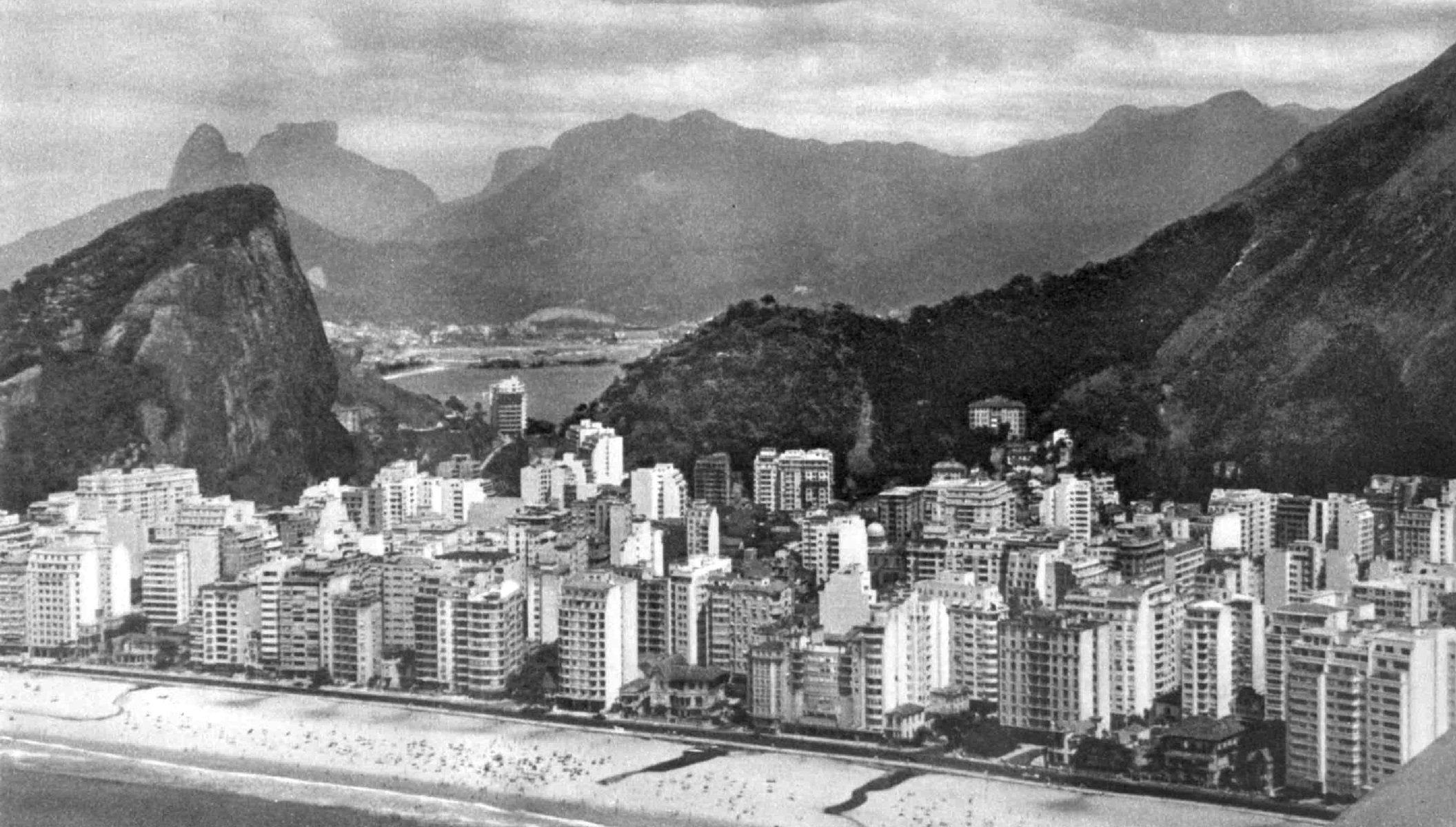 1327-Praia-de-Copacabana